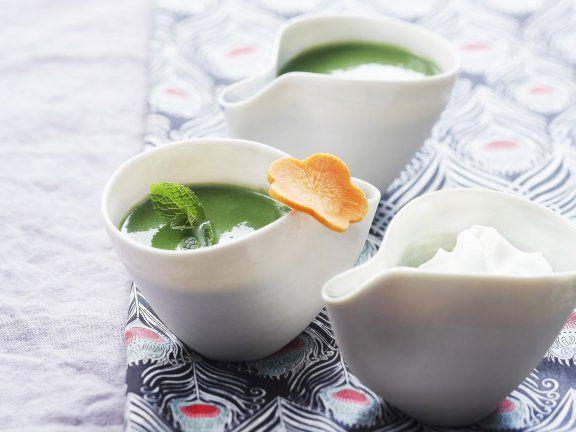 Feldsalat-Gemüse-Suppe ist ein Rezept mit frischen Zutaten aus der Kategorie Cremesuppe. Probieren Sie dieses und weitere Rezepte von EAT SMARTER!