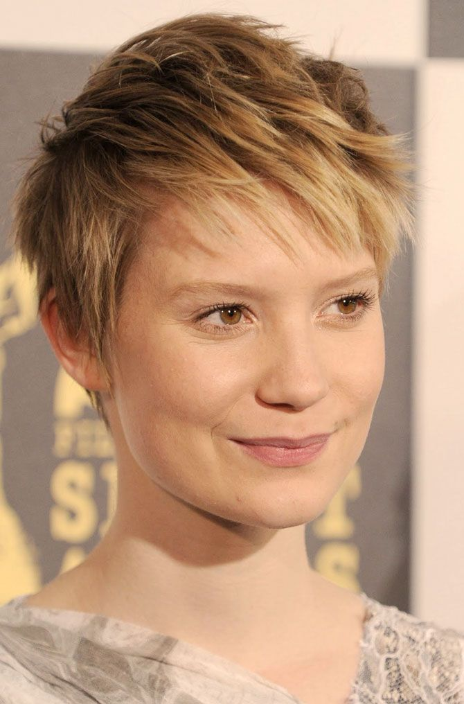 kort-frisyr-tunt-har-kvinna.jpg (670×1016)