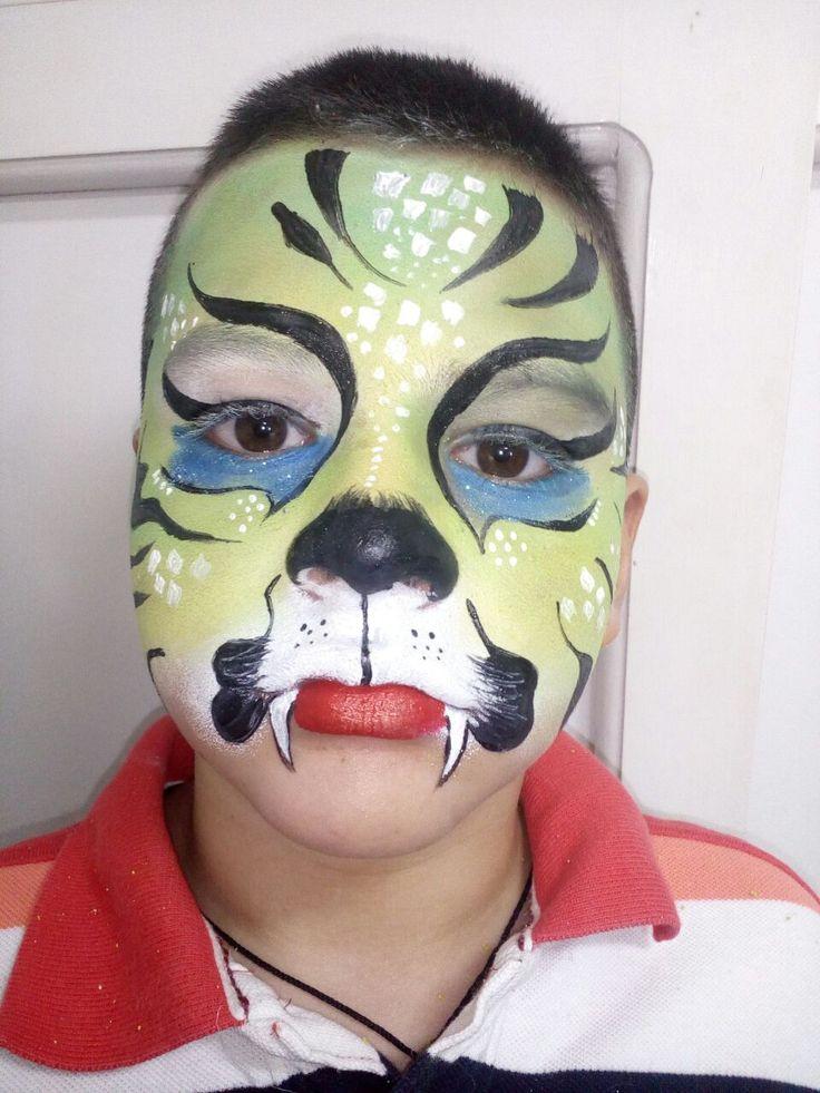 maquillaje artistico para niños. maquillaje de felino. halloween