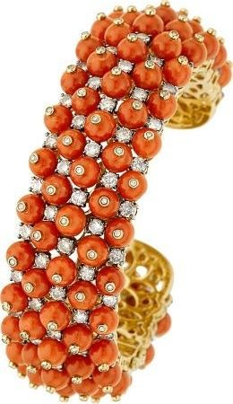 Coral, diamond and gold bracelet