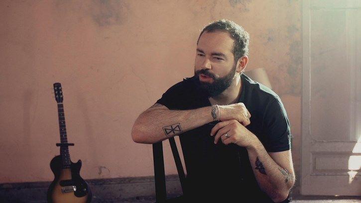 No Nos Digamos Mentiras por Santiago Cruz está en #Vevo, miralo ya! http://vevo.ly/s5leon
