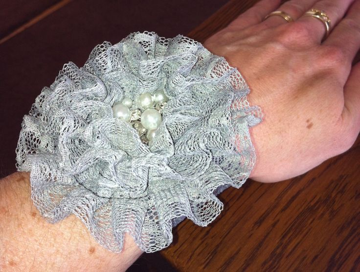 #niteowldesigns bling wrist cuff Http://Facebook.com/pages/NiteOwldesigns/124722844287918