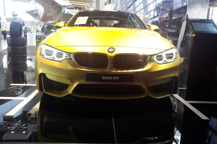BMW M4 http://fliiby.com/strbi/