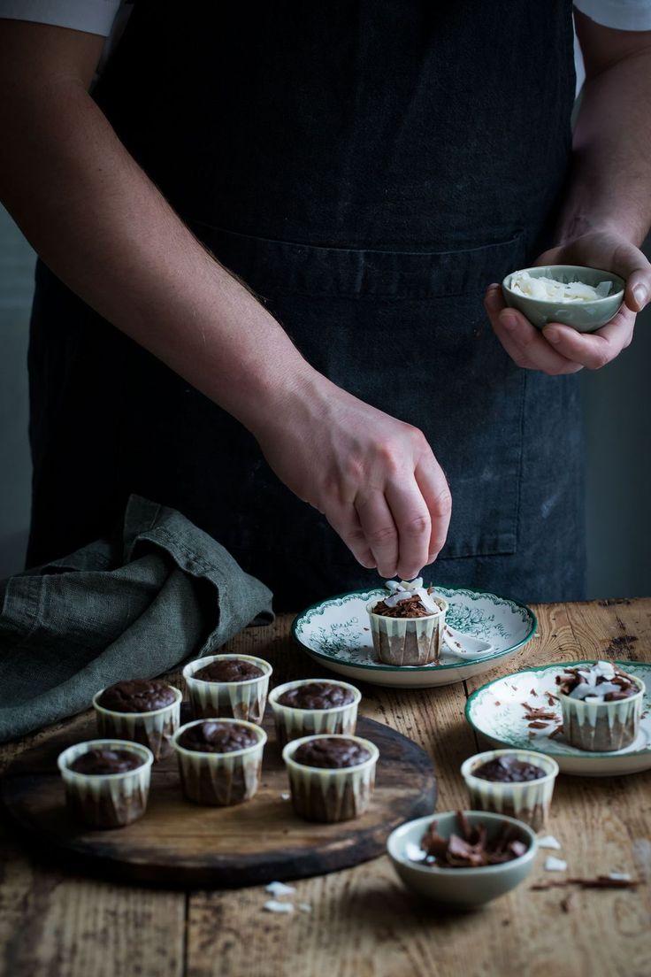 healthy chocolate and banana paleo mini cupcakes, (gluten/dairy-free).