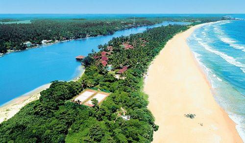 Bentota Beach, Sri Lanka... look at that water!