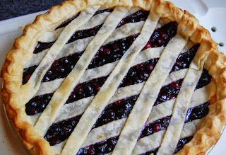 Daily*Dishin: Fresh and Easy Blueberry Pie