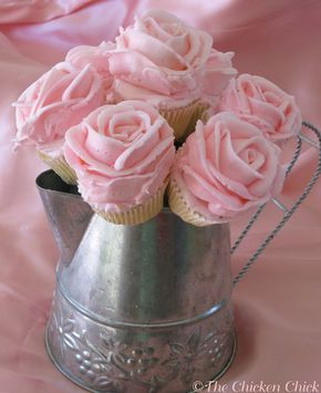 cupcakes with wilton baking cups | ... cupcake bouquets are fun to make, pretty to look at and delicious