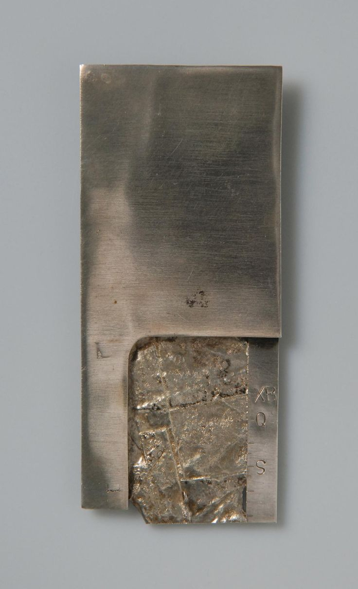 Anton Cepka, brooch, 1969, silver | Die Neue Sammlung – The International Design Museum Munich. Donated by Peter Skubic. Photo: A. Laurenzo