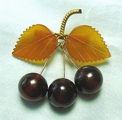Gold-Plated-Amber-Cherry-Pin-8-1-grams-2-x-2