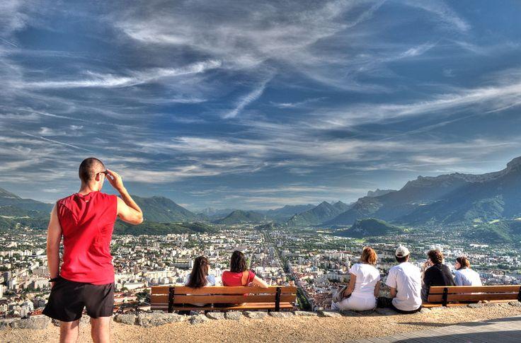 C'est la rentrée : beaucoup d'étudiants de partout dans le monde déménagent à Grenoble ! Cette semaine, beaucoup d'eux m'avaient demandé sur médias sociaux où ils peuvent acheter des objets de la m...