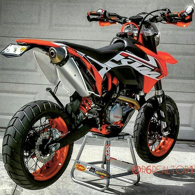 One sexy ktm by @r6realtor1 #ktm500exc #ktm500 #500exc #500xcw #braaap #ktmexc…