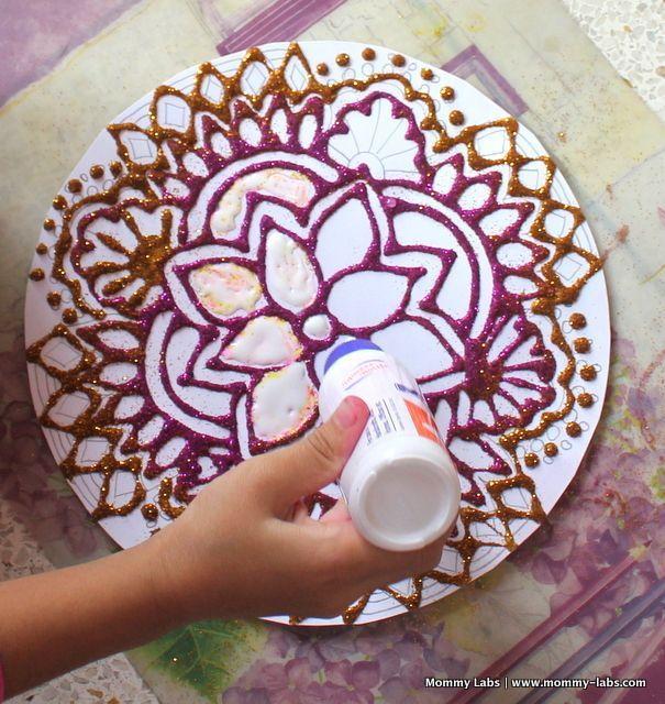 Oficina Virtual: Crianças fazendo arte pelo mundo! Rangoli Indiano. Nossa inspiração vem da Índia e trazemos um lindo modelo para colorir um Rangoli Indiano