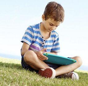Gadget Bisa Hambat Pertumbuhan Anak