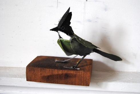 a birdieLittle Birds, Art, Paper Birds, Annawili Highfield, Sydney Australia, Birds Sculpture, Paper Sculptures, Animal Sculpture, Anna Wili Highfield