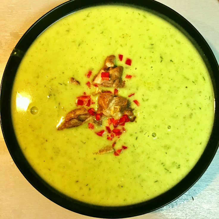 green pea soup with coconut milk, chicken and chilli