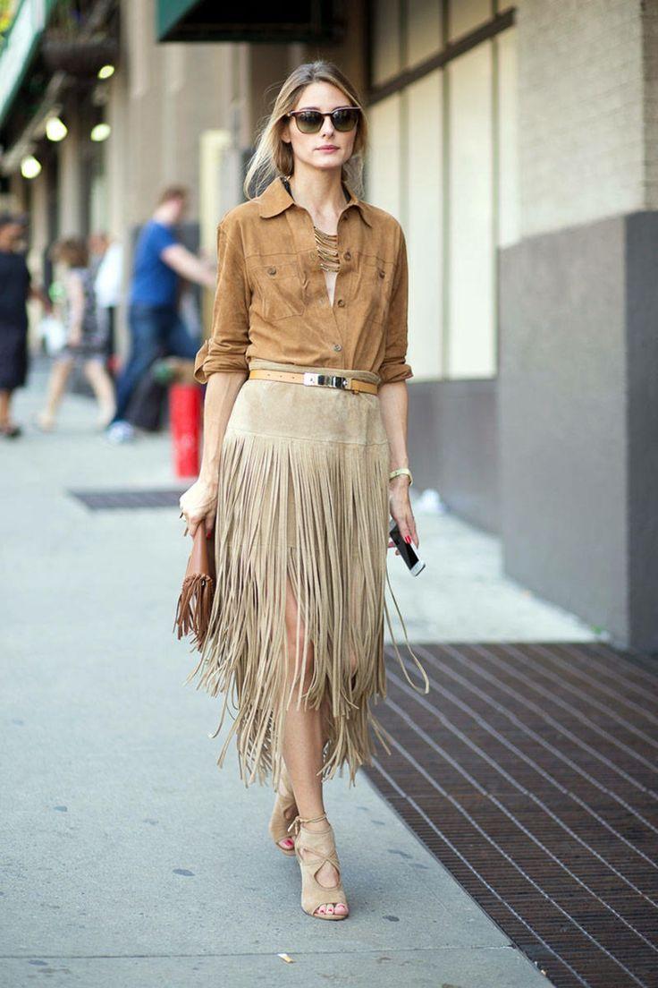 outfit damen street style mode beige naturtoene fransen rock