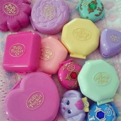Polly pockets made me so so so happy when I was small I still get a heartbreak feelin when I see them ✨✨