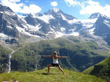 "yessssss. article- ""6 yoga poses for rock climbers"" from matador sports"