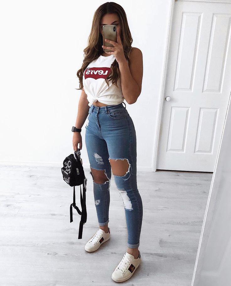 1, 2 oder 3? 🤔 Meine Damen, wie würden Sie Ihre zerrissenen Jeans tragen? Kommentar unten ⬇ï …