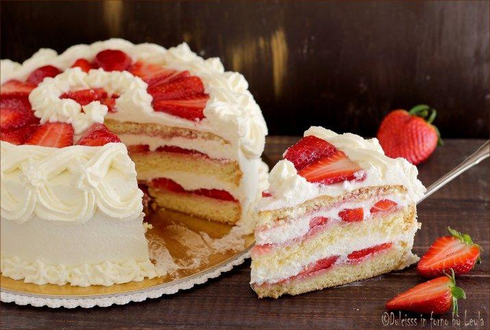 Torta panna e fragole, una torta semplice da preparare, fresca e delicata ! Piace a tutti ! Adatta a feste di compleanno, festa della mamma e papà, ecc...