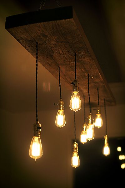 DIY reclaimed lumber hanging Edison bulb chandelier | unmaintained