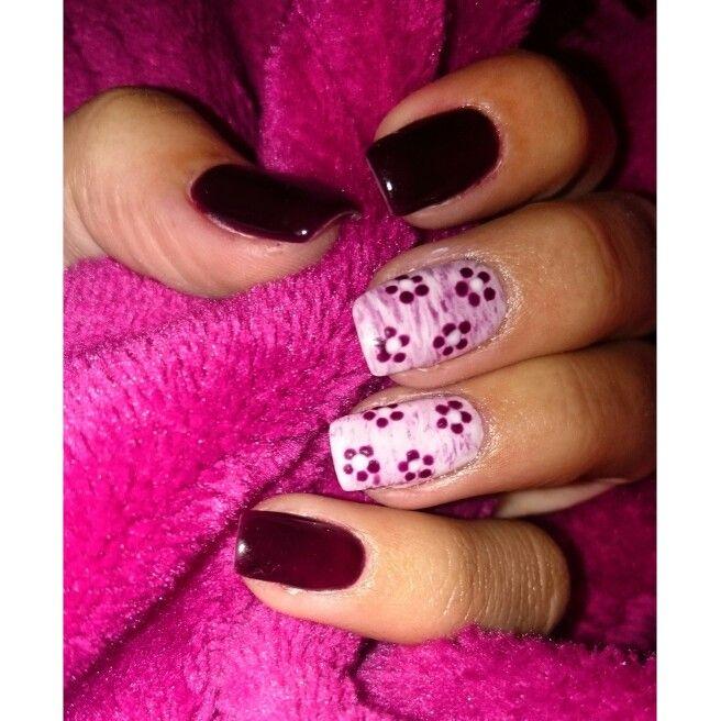 Plum flower nails