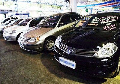 Carros usados (Foto: Arquivo / Agência O Globo)
