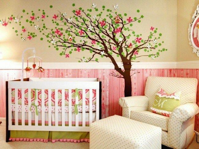 Babyzimmer für Mädchen in Grün und Rosa einrichten