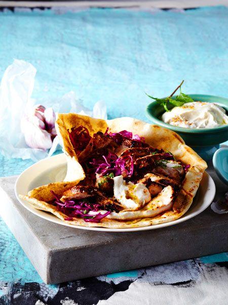 Arabisches Shawarma mit Tahin und Rotkohlsalat