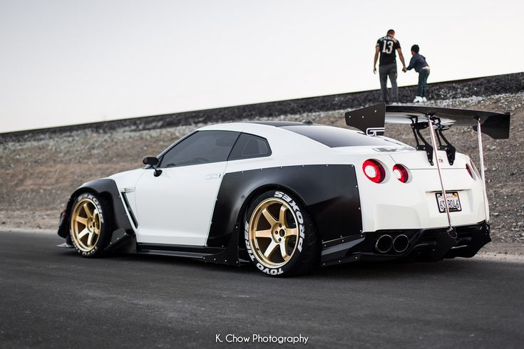 Rocket Bunny Nissan GTR