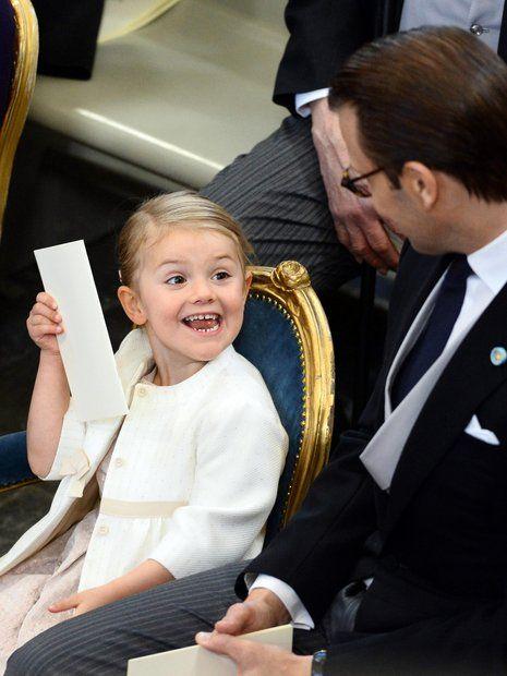 Prinz Nicolas von Schweden: Prinzessin Estelle ist bester Laune.