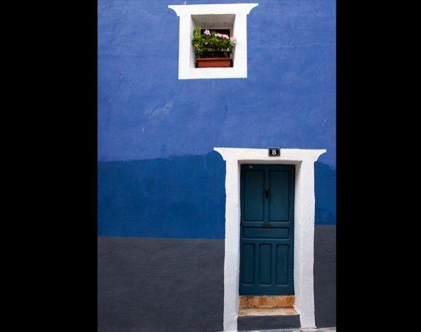 Casa azul en Villajoyosa (Valencia). Una imagen de Pablo Carrascosa elegida entre las 12 mejores fotografías de paisajes españoles del año en Flickr.