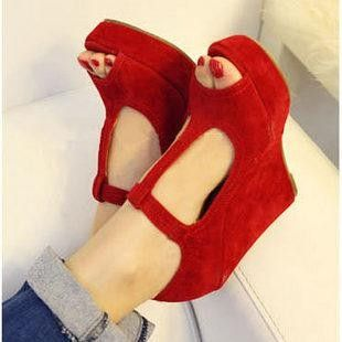 red shoesPlatform Wedges, Fashion, Style, Red Wedges, T Straps, Red Shoes, Wedges Shoes, Red Velvet, High Heels