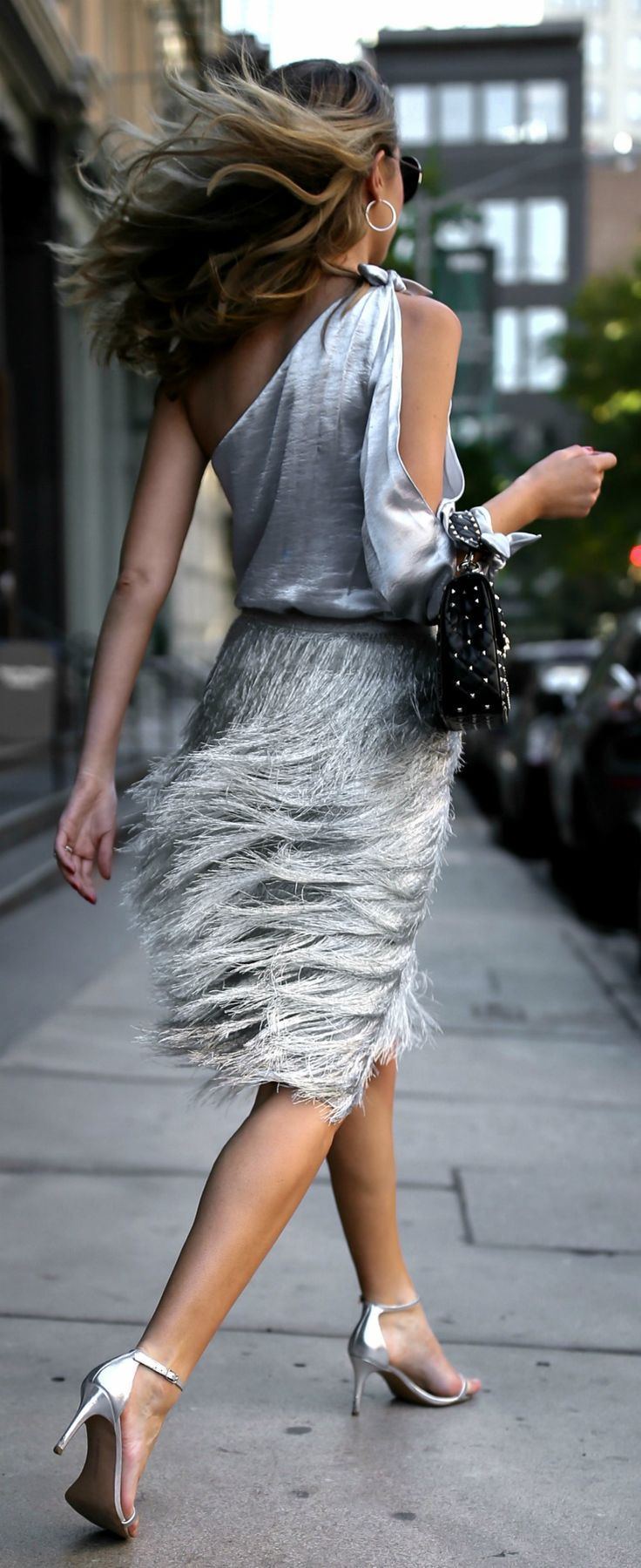 TREND MEMO: Metallics + Sparkle //  One shoulder metallic blouse, metallic fringed midi skirt, studded black leather shoulder bag, round sunglasses and silver ankle-strap sandals {Valentino, Rachel Zoe, Rebecca Minkoff, Sunday Somewhere, Sam Edelman, fall trends, fall winter trends 2017, fashion trends, classy dressing, statement dressing, fringe, metallic}