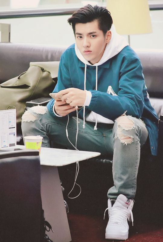 """Exo - Kris """"My handsome man <3 I miss you and others miss you too."""""""