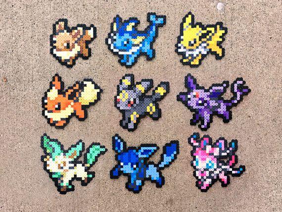 LES DÉTAILS: Cette liste est pour certains sprites de Pokémon à la main! Chaque Pokémon est créé avec des perles en plastique fusible qui fondent lorsqu'il est chauffé. Vous pouvez choisir un Pokemon unique ou vous pouvez obtenir différents ensembles. N'hésitez pas à demander une version brillante des Pokemon sans frais supplémentaires! FINITIONS: Ces et tous LES Pokemon sprites ont plusieurs finitions disponibles sans frais supplémentaires. Vous pouvez choisir de les avoir transformé…