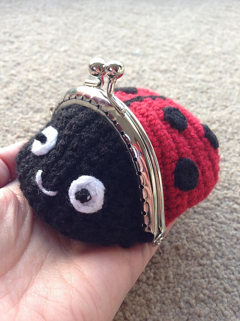 Ravelry: Ladybug / Ladybird Coin Purse pattern by Laura Sutcliffe $2.53