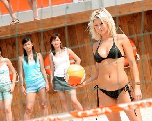 сексуальный пляжный волейбол фото