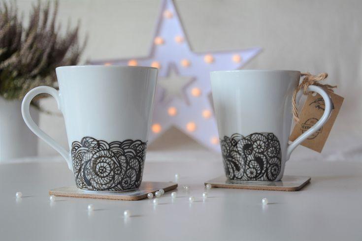 Dwa designerskie kubki z malowaną koronką - PigeonartHandmade - Kubki i filiżanki