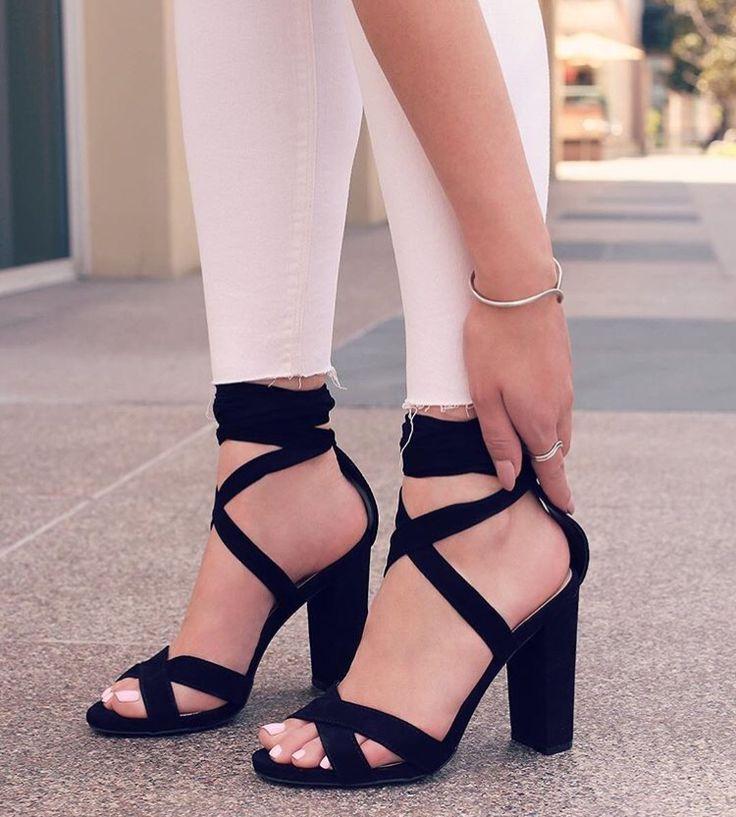 """LolaShoetique.com Style name: """"Breathtaking"""""""