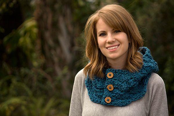 Hooded cowl crochet pattern - Allcrochetpatterns.net