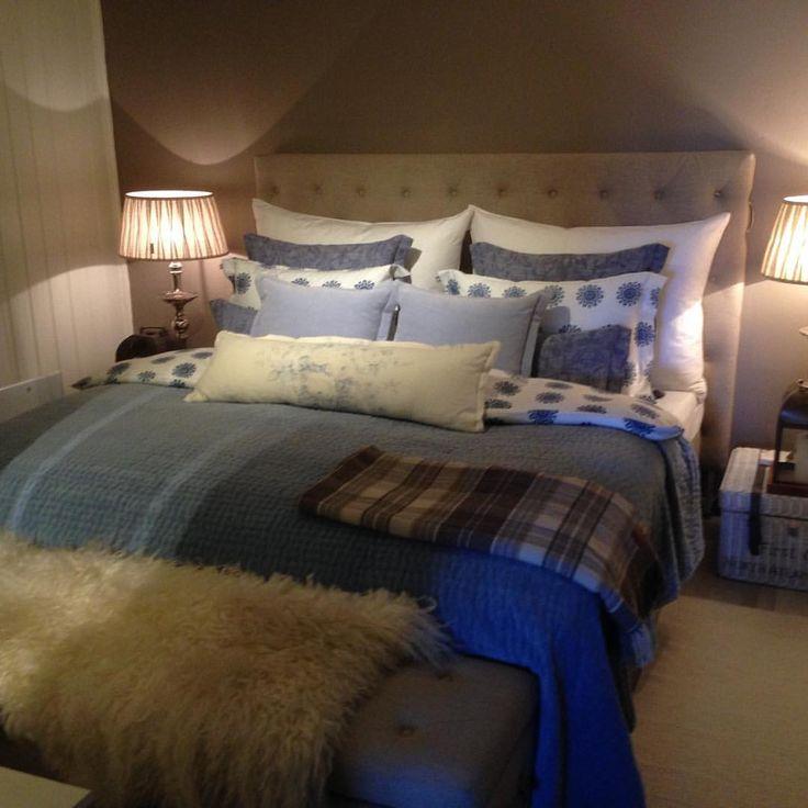Soool og 15 grader👌☀️☀️☀️☀️En super fin søndag til alle 👌❤ Vår sengetøy på plass#myhome #ganthome #r - paislyhome