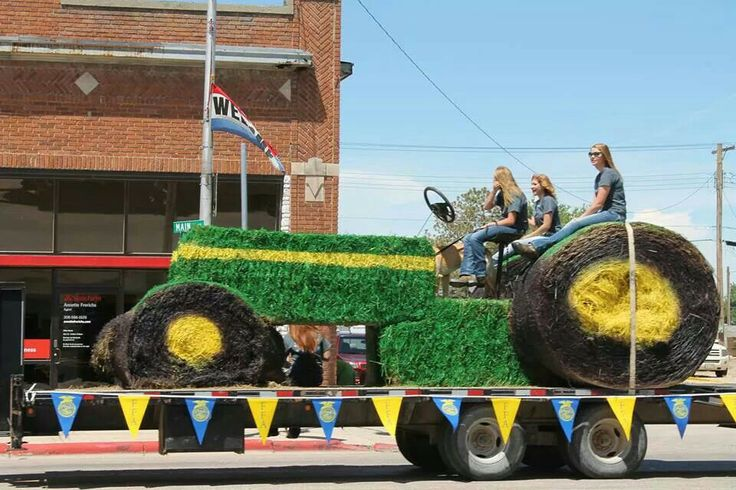Tractor Float Idea Parade Float Ideas Pinterest