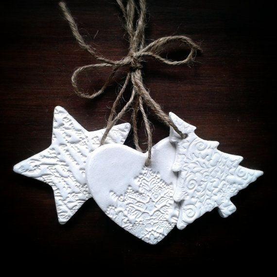 Set di tre ornamenti di Natale goffrato di AntiqueRoseDesign, £5.95