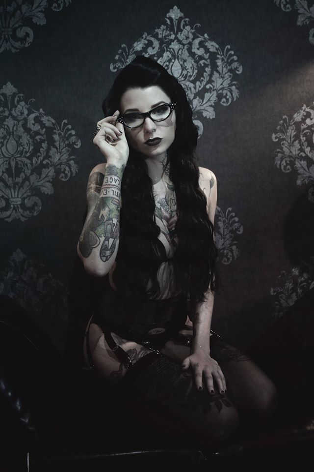 Photo by Luna Torr Model: Dewii Hair and makeup by me
