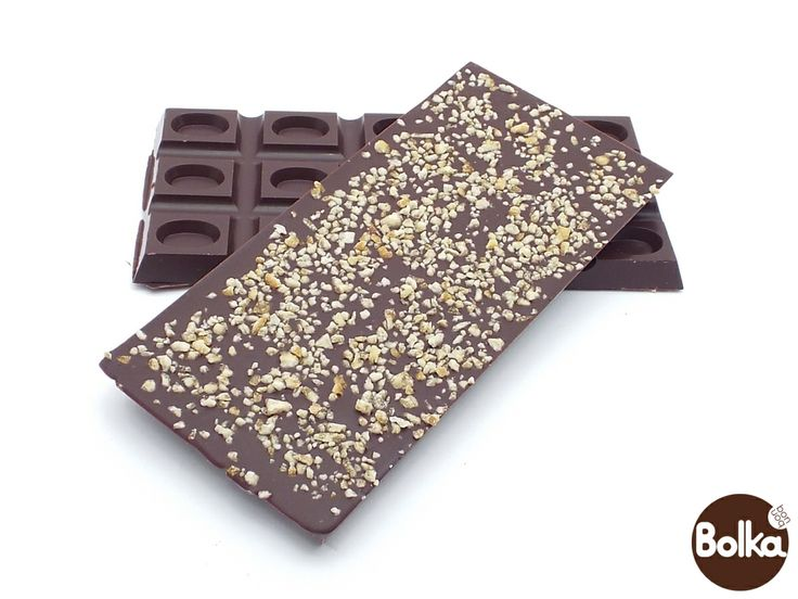 Dark chocolate with orange pieces/étcsokoládé narancsdarabokkal szórva