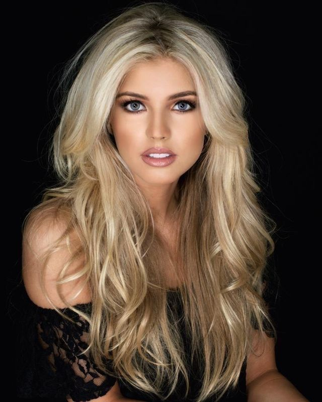 Emma Hernan Blonde Hair Color Beautiful Hair Hair Beauty