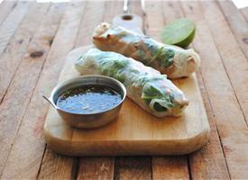 ▲ garlic chicken spring rolls.: Springrolls, Garlic Chicken, Food, Spring Roll Recipes, Appetizer, Favorite Recipes, Chicken Spring Rolls