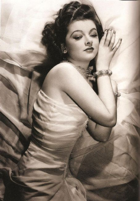 Myrna Loy's sleeping beauty pose