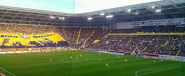 Wer mal echte Stimmung im Stadion erleben will, sollte sich ein Dynamo Spiel anschauen.